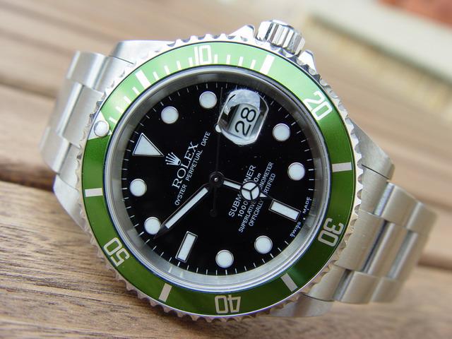 Rolex Submariner Date Jubiläumsmodell 16610lv Fragen